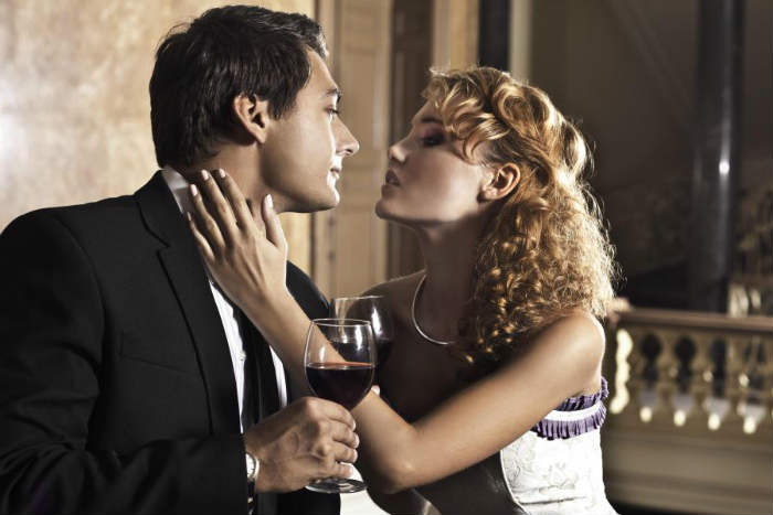 11 Specific Ways to Attract Women and Turn Them On