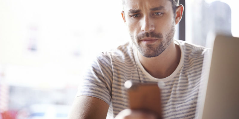 How to Avoid One of the Worst Texting Mistakes Guys Make
