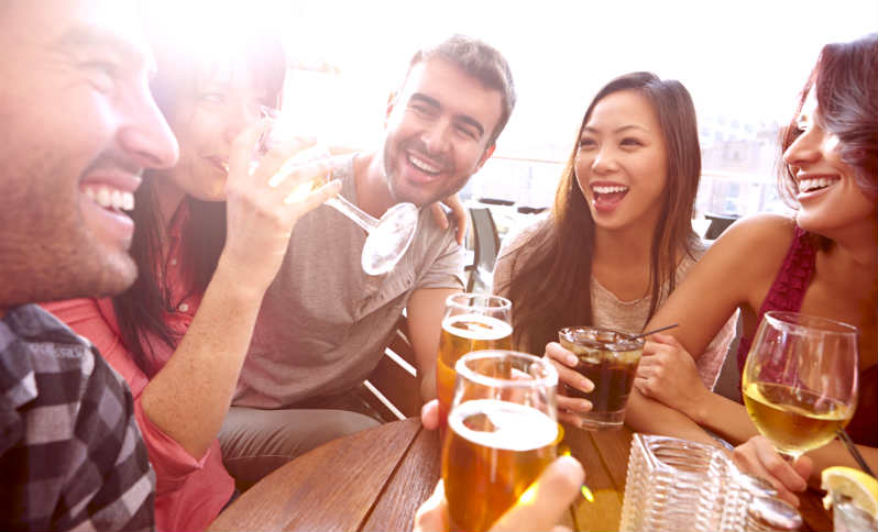 Bartender Reveals the Easiest Way to Get a Woman's Number