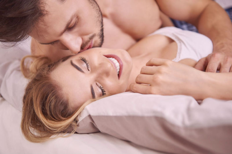 "3 Signs You Might Be A ""Sapiosexual"""