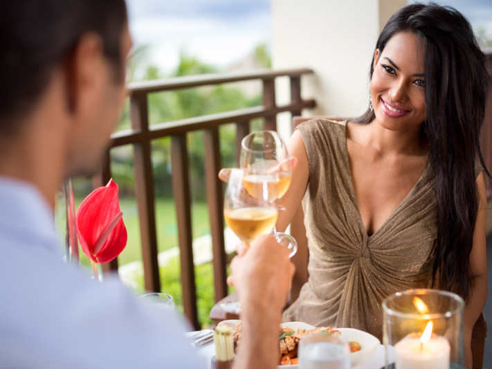 Do Looks Really Matter To Women? 4 Dating Experts Reveal the Surprising Answer…