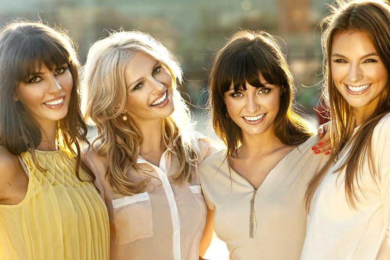 How to approach a girl in a group even if shes with guys how to approach a group of women ccuart Gallery
