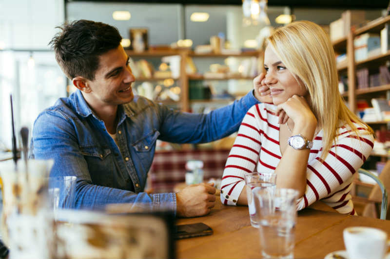 4 Signs She's Secretly Flirting With You (Most Guys Never Spot #3!)