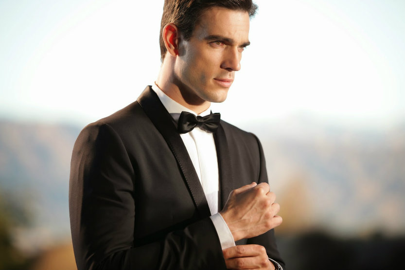 5 Examples of Mega-Masculine Body Language That Women Love