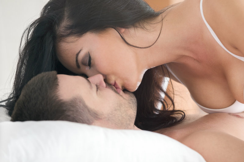 How To Become the World's Greatest Kisser (This Technique Will Shock You)