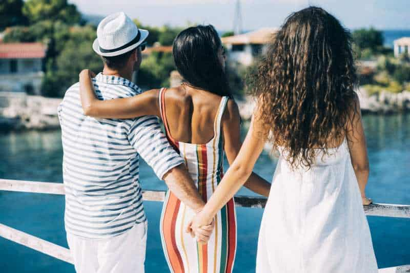 3 Simple Phrases That Get Hot Girls On Board With Non-Monogamy (Even if She BEGS You to Go Exclusive)…