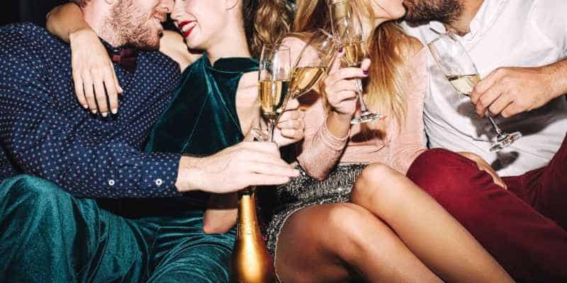 """I Went to a Sex Party & Here Are 3 Things I Wish I Knew WAY Sooner"""