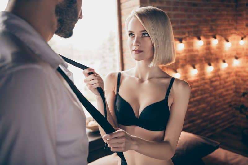 """3 """"Turn Her On"""" Tips That Will Make Her Drag You to The Bedroom For Some Hot, Nasty SEX"""